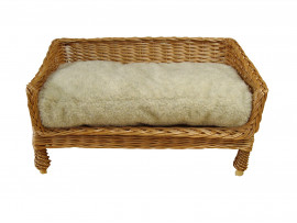 Medium Sofa Style Wicker Pet Basket (70cm), Complete With Sherpa Fleece Cushion