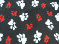 PnH Veterinary Bedding - NON SLIP - Black with Grey and Red Paws