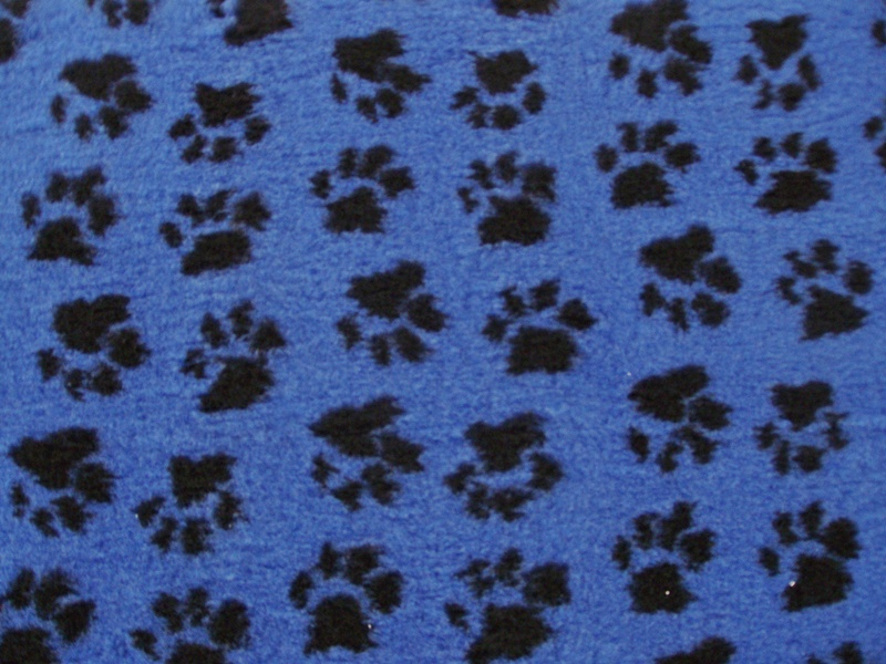 PnH Veterinary Bedding - NON SLIP - RECTANGLE - Blue Paws