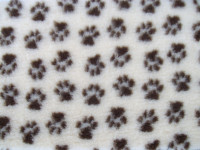 PnH Veterinary Bedding - NON SLIP - SQUARE - Cream with Brown Paws