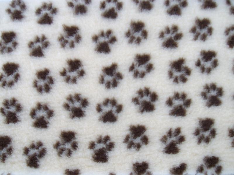 PnH Veterinary Bedding - NON SLIP - SQUARE - Cream with Brown Paws