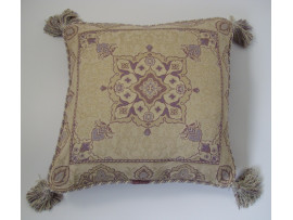 Mauve Patterned Cushion With Tassles - 45cm x 45cm - COMPLETE WITH HOLLOW FIBRE INNER